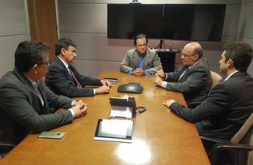 Governador do Piauí discute retomada da Transnordestina